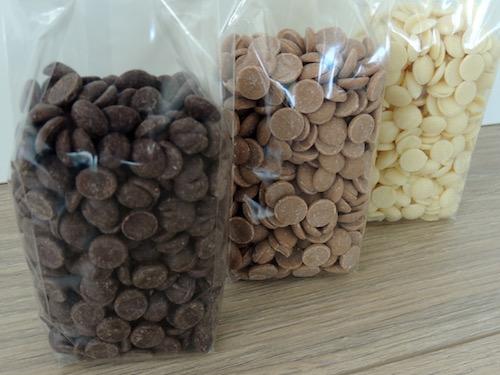 Callebaut smeltchocolade kopen. Handig voorverpakt in zakje van 500 gram • Callebaut chocolade uit België • Bestel online